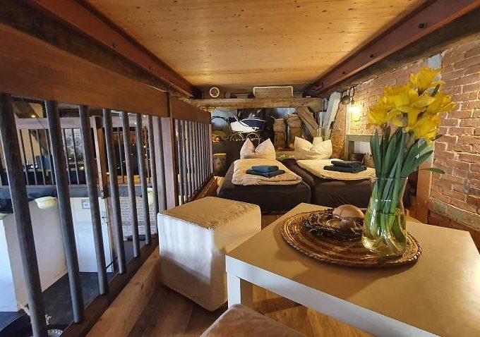 haus-anna-elbe-diele-bauernhaus-hamburg-ferienwohnung-bar-saal (4)